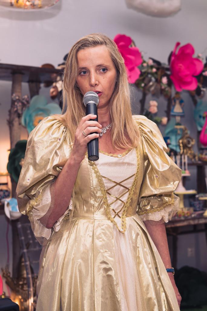 "Elisabeth in the dress ""Sunshine Gown"""